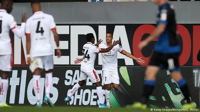 Mainz players celebrate