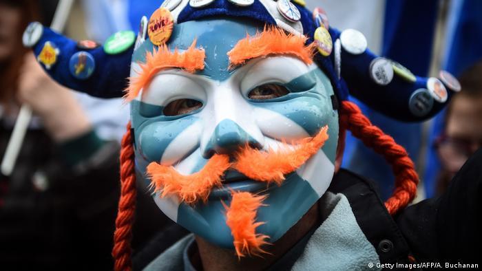 Tausende Schotten marschieren für Unabhängigkeit