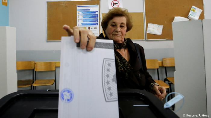Kosovo Wahlen | Wahlzentrum in Pristina