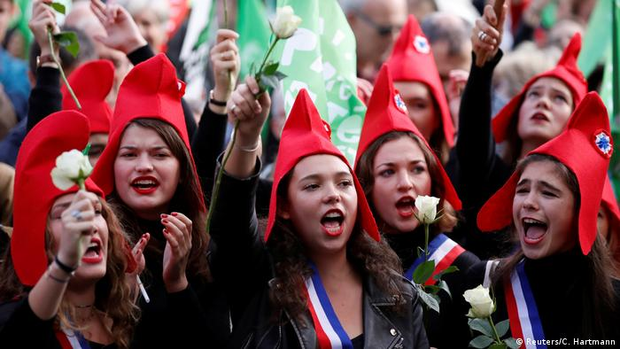 Young female protesters in Paris