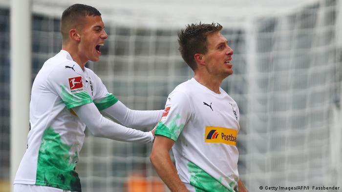 1. Bundesliga 07. Spieltag | Borussia Mönchengladbach vs. FC Augsburg (Getty Images/AFP/I. Fassbender)