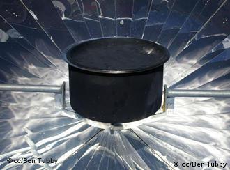 Solarkocher (Quelle: cc/Ben Tubby)