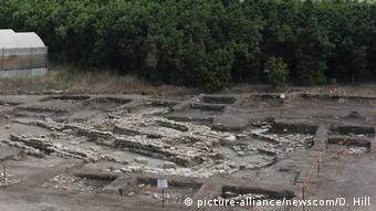 Stones at an excavation site belonging to a Bronze Age temple (picture-alliance/newscom/D. Hill)