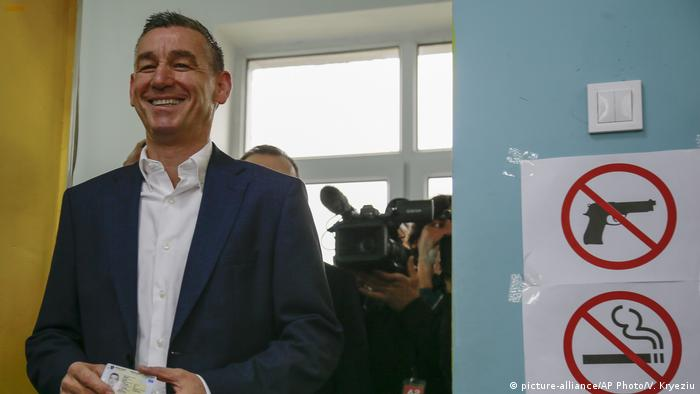 Kosovo Parlamentswahl 2019 Kadri Veseli (picture-alliance/AP Photo/V. Kryeziu)
