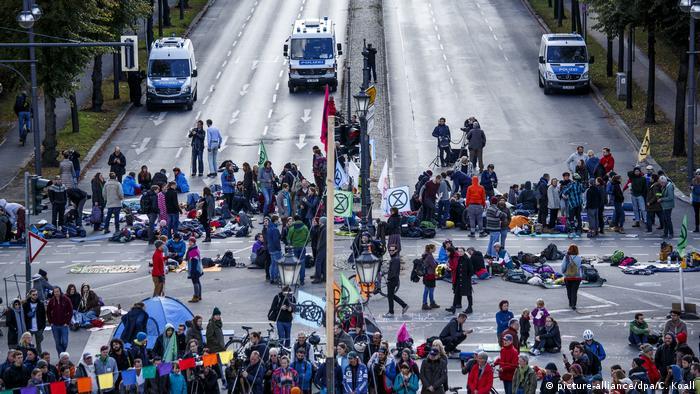 Berlin | Aktivisten der Klimabewegung Extinction Rebellion