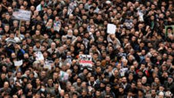 Mass demonstration in Tehran in 2009