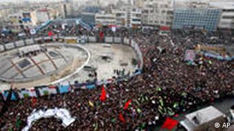 موسوی امکان تظاهرات و تجمعات را حق مردم دانست