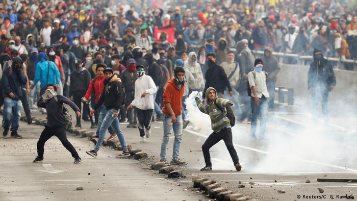 Protesters in Quito clash with police