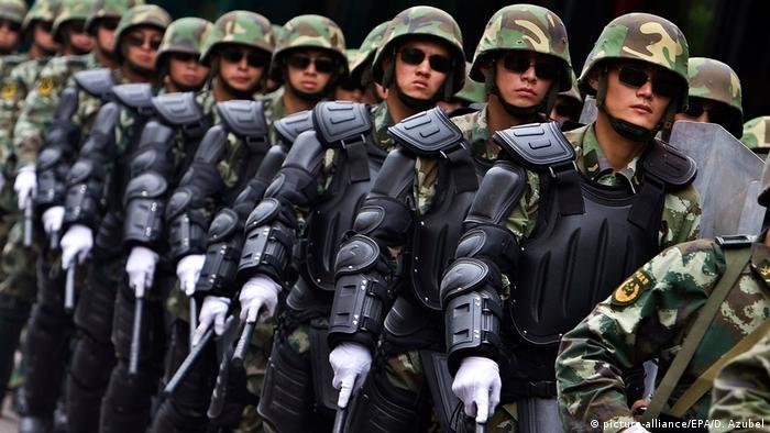 China Soldaten in der Provinz Xinjang | Uiguren