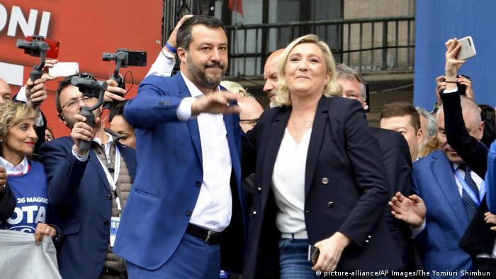 O italiano Matteo Salvini e a francesa Marine Le Pen: duas figuras do populismo de direita na Europa