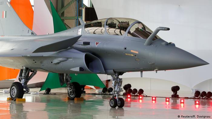 Frankreich Übergabe erster Rafale Kampfjet an Indien