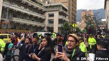 Proteste voro dem Jusitzpalast in Bogotá, Kolumbien - Palacio de Justicia - Vernehmung Álvaro Uribe Schlagworte: Protesten, Bogotá, Kolumbien, Álvaro Uribe DW, Diana Carolina Piñeros, 8. Oktober 2019