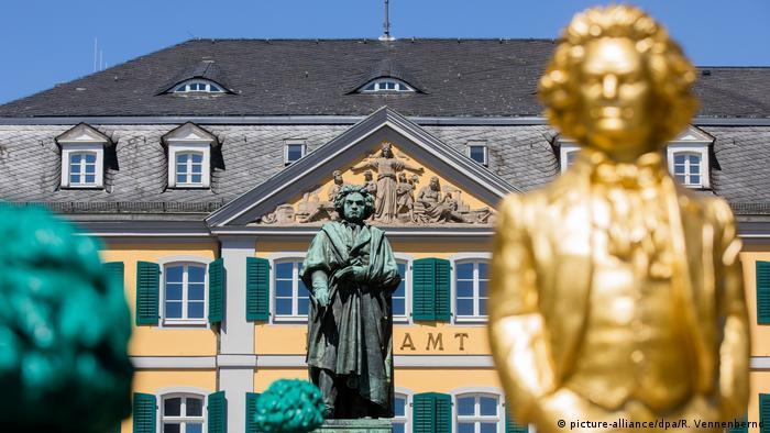 Estátuas de Beethoven em Bonn