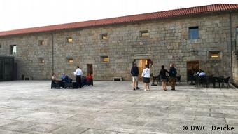 Guests outside of the Global Wines winery in Santar