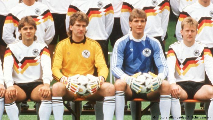 Fußball-EM 1988: Das deutsche EM-Aufgebot (picture-alliance/dpa/A. Scheidemann)