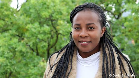 I'm an outspoken person and enjoy interacting with different cultures. This program will help me learn more about dynamic cultural systems. I hope to voice issues that receive little coverage in the international media, such as women's and girls' rights in the developing world. I look forward to learning about responsible journalism and diversification in the context of development cooperation. International Media Studies Masterstudiengang - 11. Jahrgang 2019-2021 | Joan Achieng Onyango (DW/E. Senftleben)