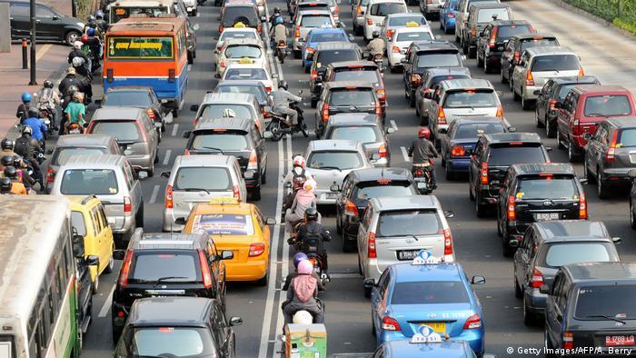Indonesien: Umweltbelastung und Luftverschmutzung in Jakarta