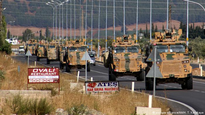 Türkei Hatay Militärkonvoi an der Grenze zu Syrien