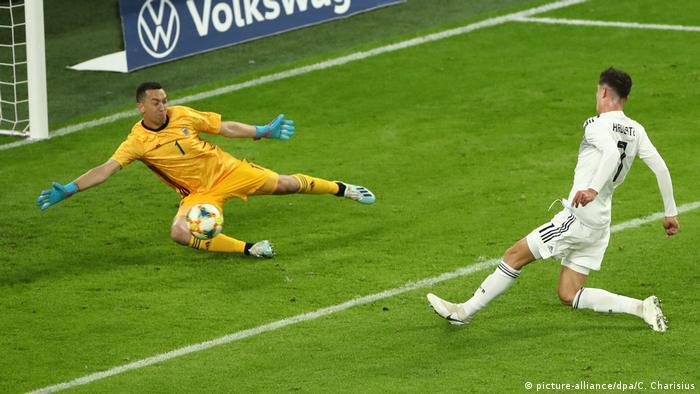 Kai Havertz (r.) trifft zum 2:0 gegen Argentinien