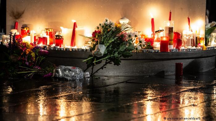 Halle'de hayatını kaybedenler anılıyor