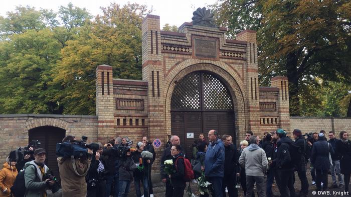 Dzień po zamachu w Halle: upamiętnienie ofiar