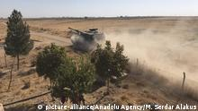 Syrien Konflikt Grenze Türkei   türkische Panzer bei Tel Abyad