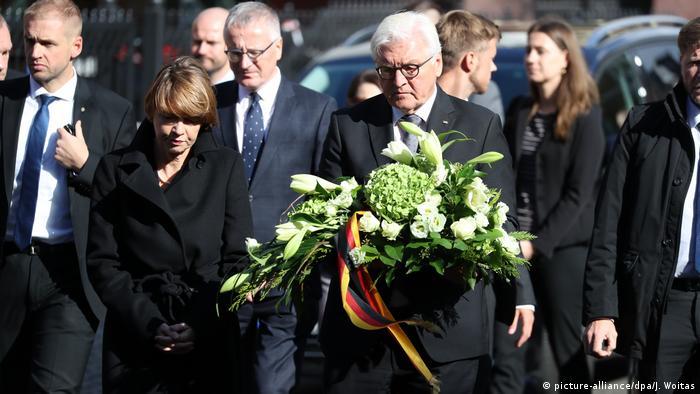 Deutschland Halle nach Anschlag auf Synagoge | Frank-Walter Steinmeier, Bundespräsident (picture-alliance/dpa/J. Woitas)