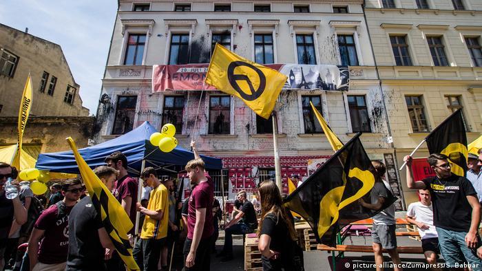 Deutschland Protest Identitäre Bewegung in Halle