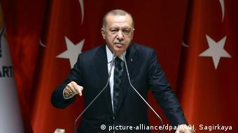«Φιλοξενούμε ήδη 300.000 εκτοπισμένους Κούρδους από την Συρία»