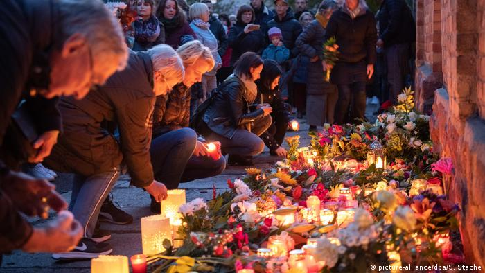 Candles and flowers in Halle/Saale