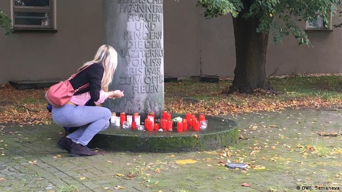 Свечи в городе Дессау в память погибших в результате теракта в Галле