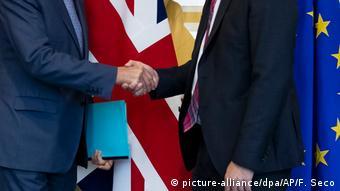 Un Brexit dur sau un Brexit reglementat?