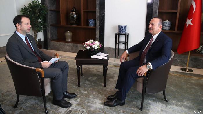 DW Interview   türkischer Aussenminister Mevlüt Çavuşoğlu über die Syrien-Offensive der Türkei