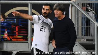 Fussball Laenderspiel - Deutschland-Peru 2-1 | Joachim Löw und Ilkay Gündogan