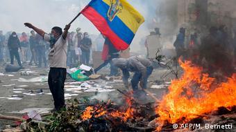 Ecuador Demonstranten in Quito verwüsten Regierungsgebäude