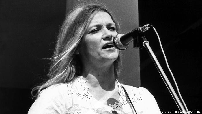 Eva-Maria Hagen gives her first performance in West Germany (picture-alliance/dpa/Schilling)