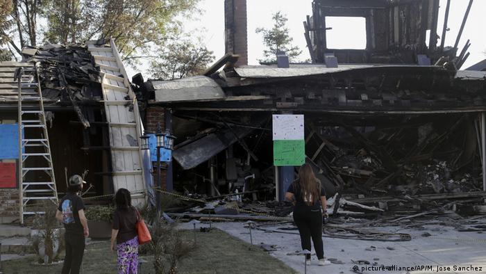 Burnt-out house in Porter Ranch (picture-alliance/AP/M. Jose Sanchez)