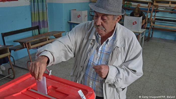 Tunesien Wahlen l Stichwahl um Präsidentenamt