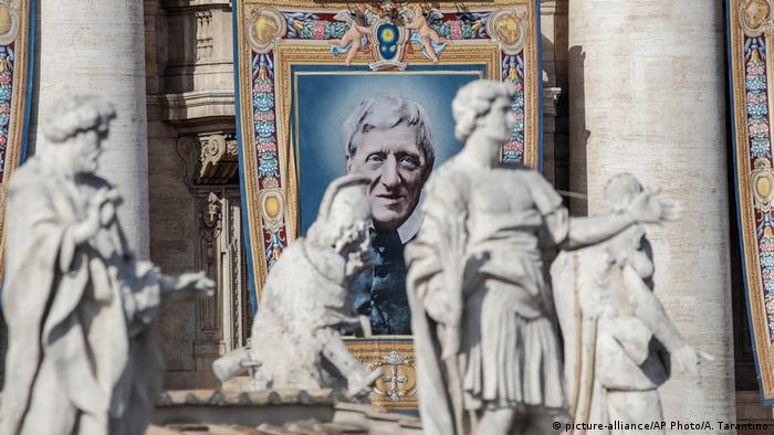 Tapestry portraying Cardinal Newman (picture-alliance/AP Photo/A. Tarantino)