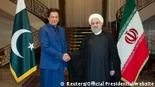 Iran Pakistan Premierminister Imran Khan zu Besuch in Teheran (Reuters/Official Presidential website)