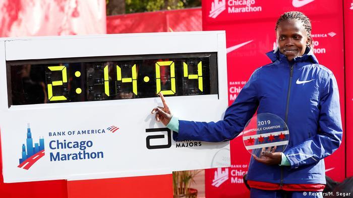 USA Leichtathletik | Kosgei stellt Weltrekord bei Chicago-Marathon auf