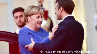 Frankreich Merkel und Macron wollen bei Krisen zusammenstehen (Imago-Images/PanoramiC/JB Autissier)