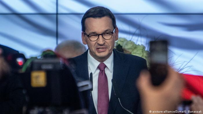 Polen Parlamentswahl PiS Sieger Mateusz Morawiecki (picture-alliance/Zuma/G. Banaszak)