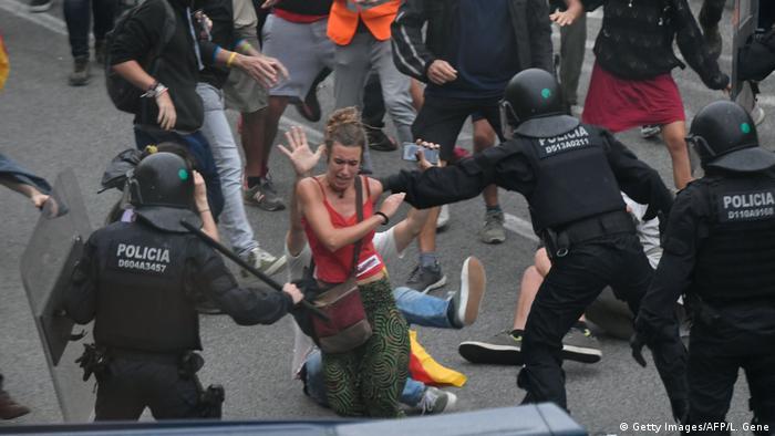 Spanien Barcelona Flughafen | Protest gegen Verurteilung von Politikern | Ausschreitungen (Getty Images/AFP/L. Gene)