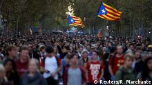 Separatist demonstrators march during a protest after a verdict in a trial over a banned independence referendum in Barcelona, Spain, October 15, 2019. REUTERS/Rafael Marchante
