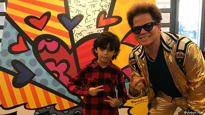 Mucize çocuk Mikail Akar, örnek aldığı Brezilyalı sanatçı Romero Britto ile birlikte