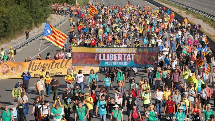 Spanien | Katalonien | Protest | Sternmarsch