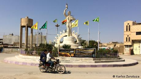 An empty roundabout in Amuda, Syria
