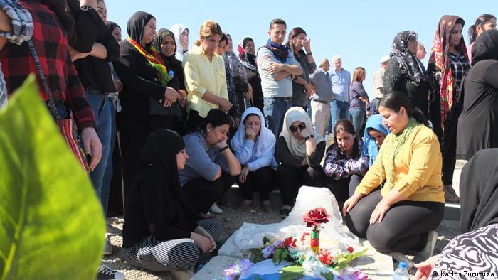 Eine Familie trauert um einen kurdischen Kämpfer