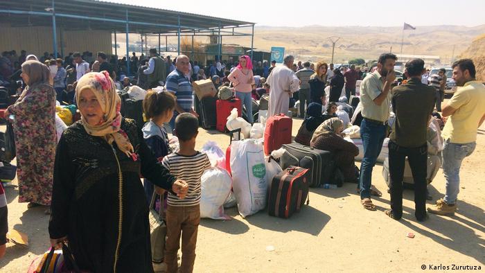 Syrisch-kurdische Familien an der Grenze zum Irak